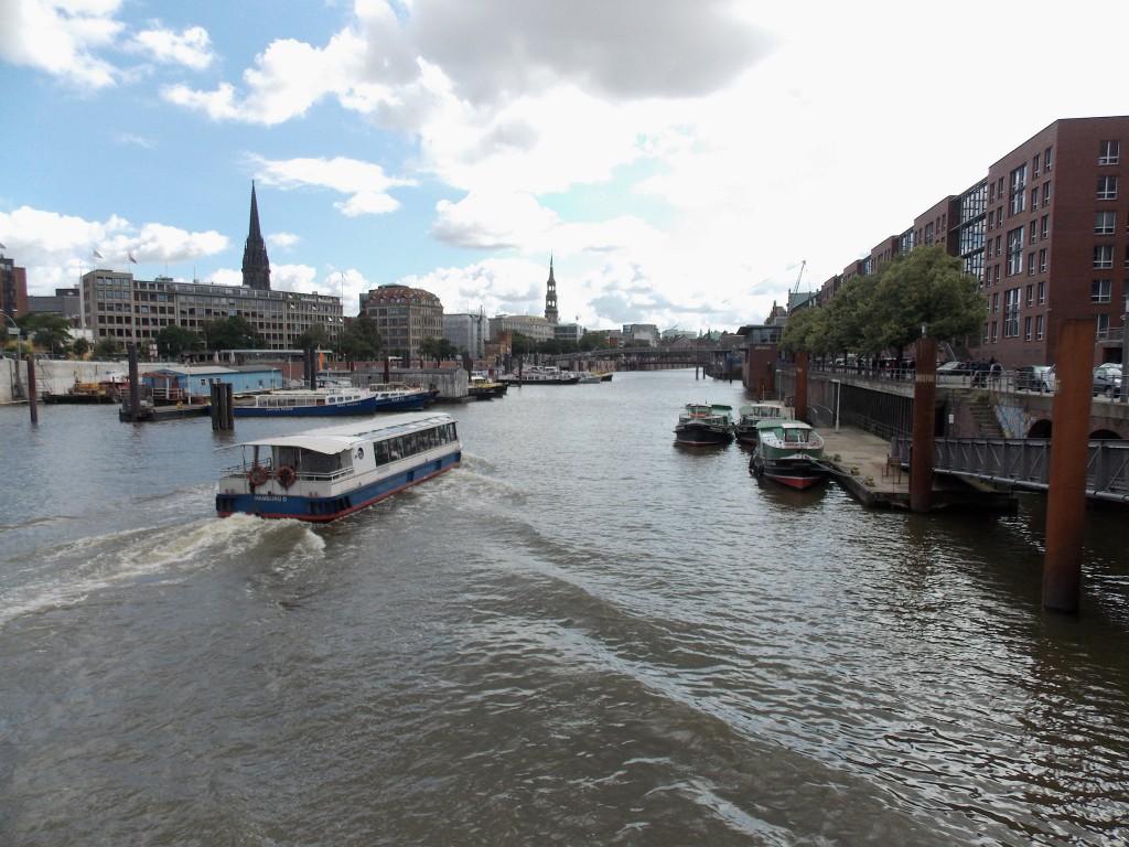 Hamburger Binnenhafen Detektiv SYSTEM Detektei® beobachtet