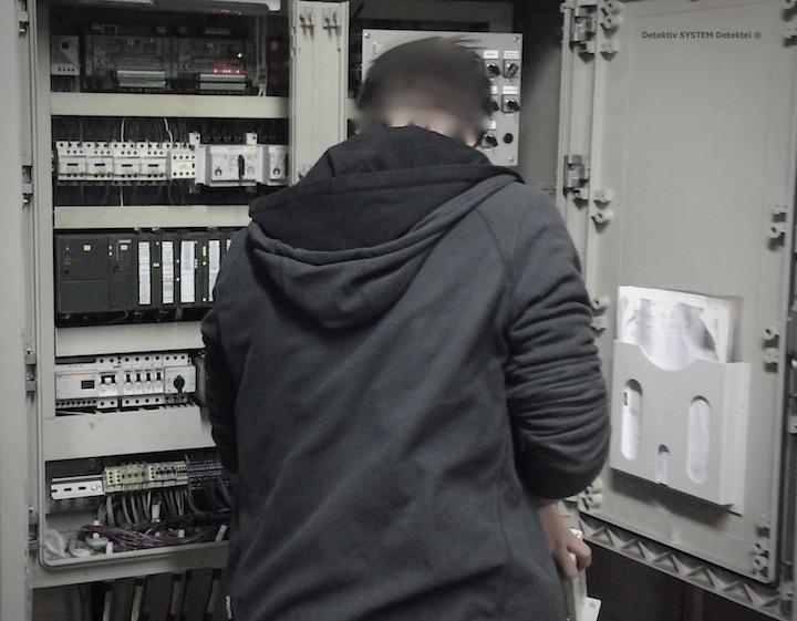 Abhörsicherheitsexperte untersucht Firmen-Hardware